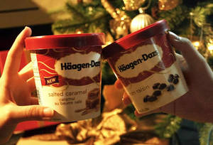 Get two tubs of Haagen-Dazs ice cream for $19.85 (U.P. $28.90) at Fairprice from 19 – 25 Jan 2017