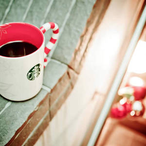 Featured image for Starbucks Buy Any Christmas Merchandise & Get FREE Coffee 1 – 3 Nov 2014